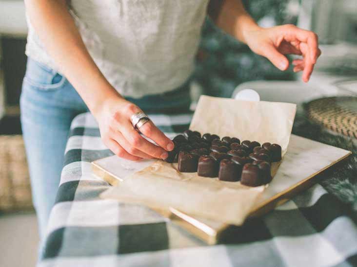Ciocolata neagră e pe locul trei în topul alimentelor sănătoase