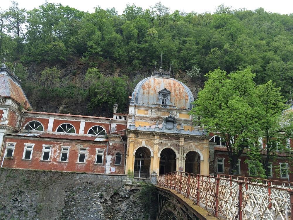 Stațiunea balneară Băile Herculane din România