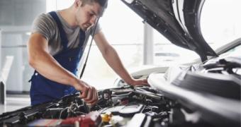 Ce cheltuieli implică o revizie auto